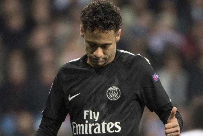 Pai de Neymar faz exigência para brasileiro permanecer no PSG