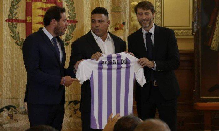 Ronaldo Fenômeno é apresentado como novo dono do Valladolid