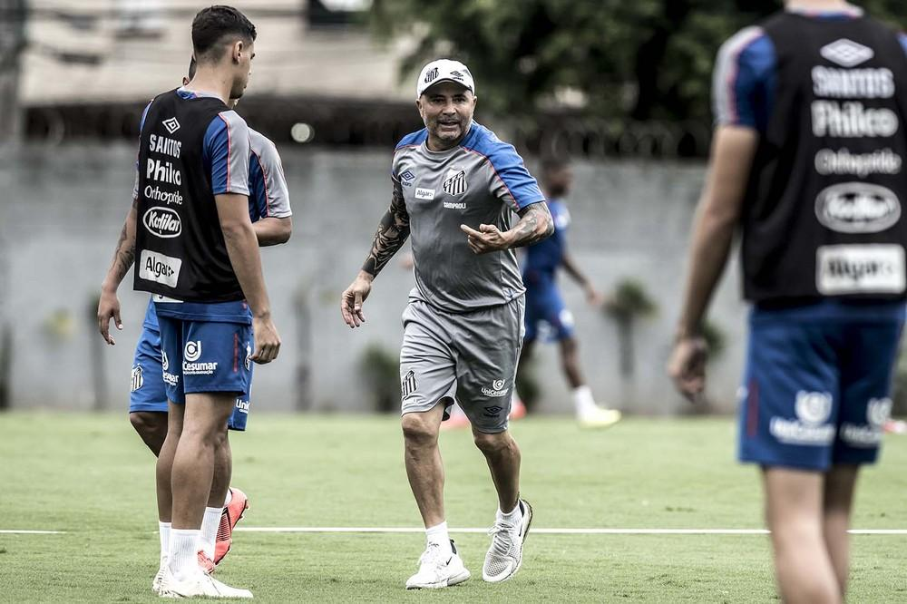 Sampaoli estuda escalar reservas do Santos no clássico contra o Palmeiras