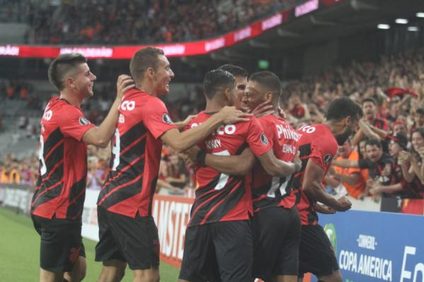 Veja os gols do Athletico na vitória sobre o Jorge Wilstermann