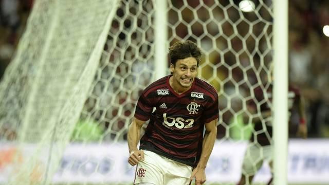 Flamengo vence o Corinthians de novo e avança na Copa do Brasil